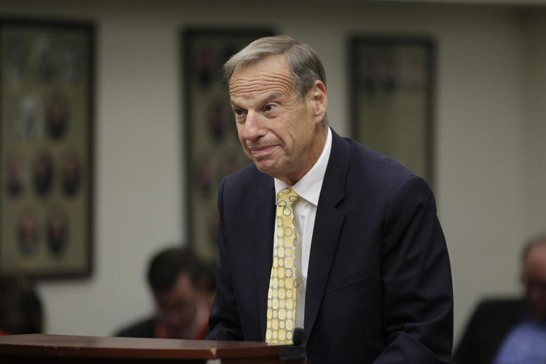 Former San Diego Mayor Bob Filner stands before judge Robert J. Trentacosta's courtroom during his sentencing hearing in San Diego, California, December 9, 2013 file photo. REUTERS/John Gastaldo/Pool