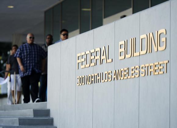 Federal Building Services : Appeals court quashes irs tax return preparer crackdown