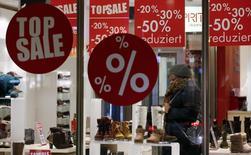 L'Allemagne va connaître une accélération de sa croissance économique cette année, qui sera surtout le fait de la consommation des ménages et non pas tant du commerce extérieur, a annoncé le ministère de l'Economie d'un pays qui dépend traditionnellement de ses exportations. /Photo prise le 9 janvier 2014/REUTERS/Fabrizio Bensch