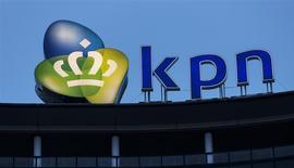 La casa matriz de KPN en La Haya, Holanda, feb 4 2014. El director de la mexicana América Móvil, Daniel Hajj, dijo el miércoles que no sabe si la compañía venderá más acciones de la operadora holandesa KPN luego de que anunciara el martes que redujo su participación. REUTERS/Michael Kooren