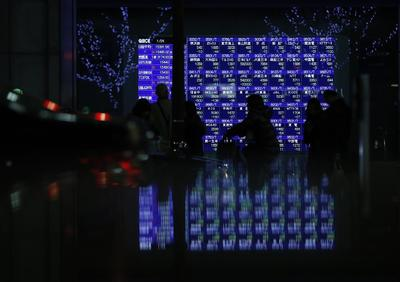 Global stock markets gain on China trade data; sterlin...