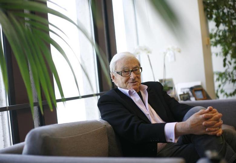 Venture capitalist Tom Perkins is interviewed in his office in San Francisco, California September 12, 2011. REUTERS/Robert Galbraith
