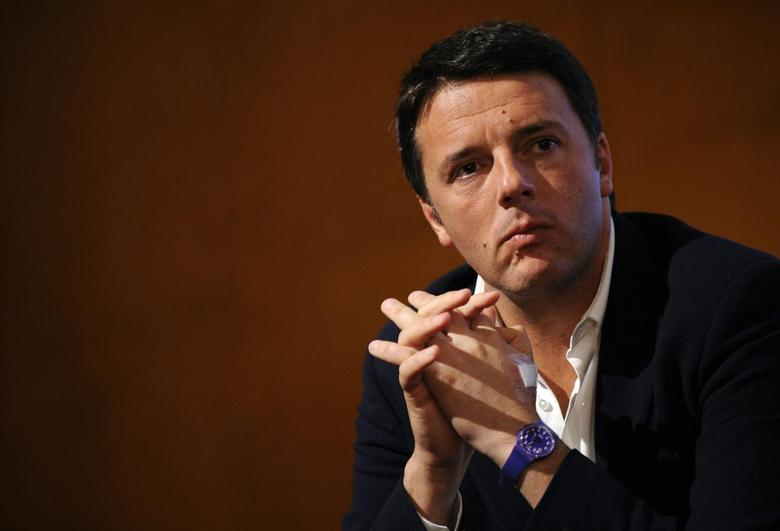 Florence mayor Matteo Renzi looks on during a political meeting in Turin December 6, 2013. REUTERS/Giorgio Perottino