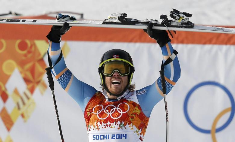 Norway's Kjetil Jansrud reacts in the finish area after competing in the men's alpine skiing Super-G competition during the 2014 Sochi Winter Olympics at the Rosa Khutor Alpine Cente February 16, 2014. REUTERS/Mike Segar