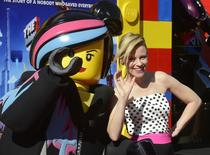 """Актриса Элизабет Бэнкс на премьере """"Лего.Фильма"""" в Лос-Анджелесе 1 февраля 2014 года. """"Лего.Фильм"""", рассказывающий про приключения человечков из известного детского конструктора, заработал за свой второй прокатный уикенд $48,8 миллиона и остался на вершине рейтинга США и Канады. REUTERS/Phil McCarten"""