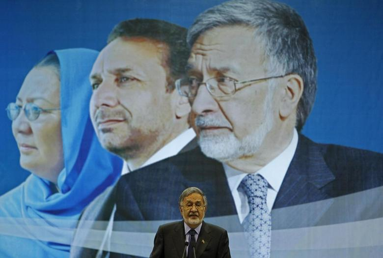 Afghan presidential candidate Zalmai Rassoul speaks during an election gathering in Kabul February 3, 2014. REUTERS/Omar Sobhani