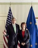Глава Госдепартамента США Джон Керри и министр иностранных дел Евросоюза Кэтрин Эштон на встрече в Мюнхене 1 февраля 2014 года. Ни у Вашингтона, ни у Брюсселя нет чёткой стратегии в связи с кризисом на Украине, говорят дипломатические источники. REUTERS/Brendan Smialowski/Pool