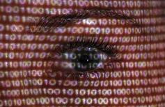 La société française d'aéronautique Snecma, filiale du groupe Safran, a été prise pour cible par des pirates informatiques qui ont tiré parti d'une faille du navigateur Internet Explorer de Microsoft, selon un chercheur en sécurité informatique. /Photo d'archives/REUTERS/Pawel Kopczynski