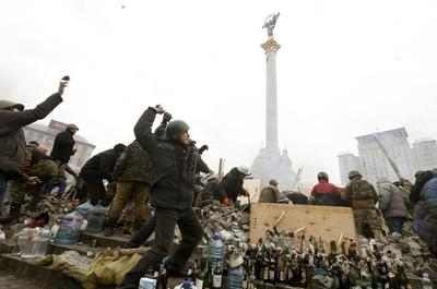 Ukraine President agrees truce with opponents as West...