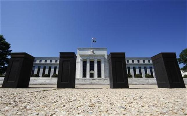 The U.S. Federal Reserve building is seen in Washington June 29, 2011. REUTERS/Jim Bourg/Files