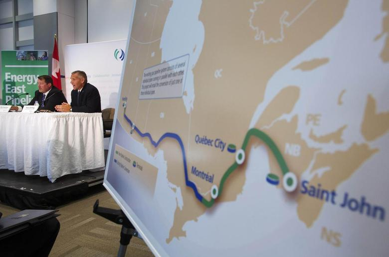 TransCanada President and CEO Russ Girling (2nd L) announces the new Energy East Pipeline during a news conference in Calgary, Alberta, August 1, 2013. REUTERS/Todd Korol