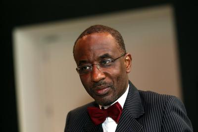 Nigeria's central bank governor to challenge suspension in court