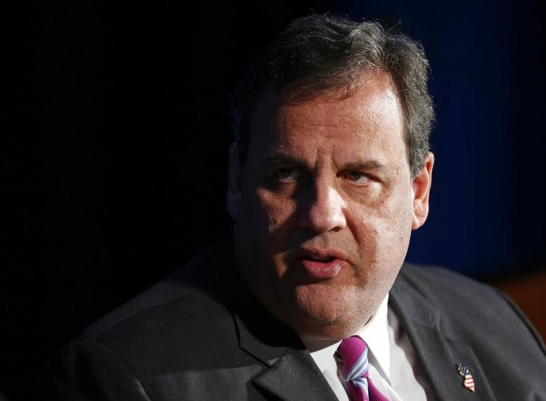 New Jersey Governor Chris Christie listens to a question from Greg Brown (not pictured), Chairman & CEO of Motorola, during a luncheon by the Economic Club of Chicago, in Chicago, Illinois February 11, 2014 file photo. REUTERS/Jeff Haynes