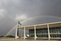 Foto do Supremo Tribunal Federal(STF) no ano de 2012, em Brasília. Nesta sexta-feira, representantes do setor financeiro afirmaram que bancos podem pedir indenização por julgamento do tribunal sobre as cadernetas de poupança entre 1987 e 1991. 09/10/2012 REUTERS/Ueslei Marcelino