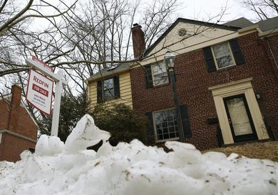 Harsh weather, tight supply sink U.S. home sales