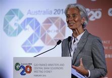 La directrice générale du FMI, Christine Lagarde à Sydney. Le G20 a affiché dimanche sa volonté de générer plus de 2.000 milliards de dollars (1.450 milliards d'euros) d'activité économique supplémentaires en cinq ans et de créer des dizaines de millions d'emplois, pour tourner définitivement la page de la crise. /Photo prise le 23 février 2014/REUTERS/Jason Reed