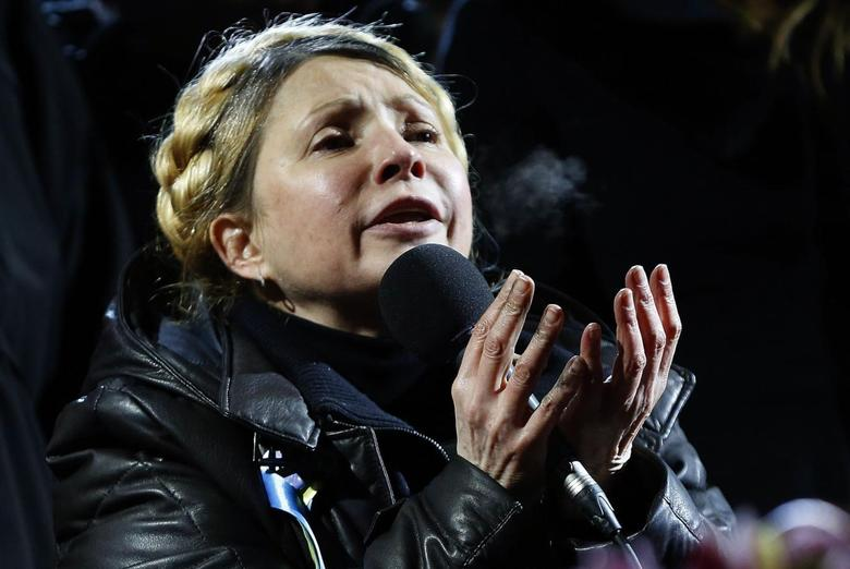Ukrainian opposition leader Yulia Tymoshenko addresses anti-government protesters gathered at Independence Square in Kiev February 22, 2014. REUTERS/Yannis Behrakis