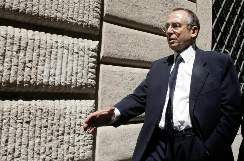 Italy's former head of military intelligence Sismi Nicolo Pollari is seen in Milan, July 19, 2006. REUTERS/Alessandro Bianchi