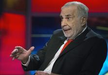 Billionaire activist-investor Carl Icahn gives an interview on FOX Business Network's Neil Cavuto show in New York February 11, 2014. REUTERS/Brendan McDermid