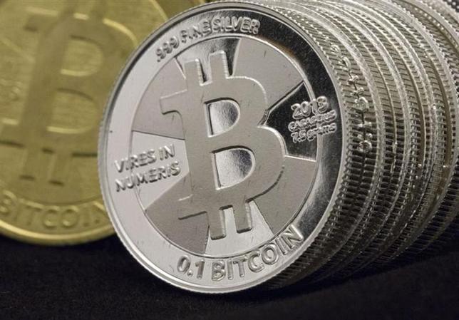 2月24日、米セキュリティ企業トラストウェーブによると、インターネット上で流通する仮想通貨「ビットコイン」などを不正に取得するウイルス「ポニー」に数十万台のコンピューターが感染した。ユタ州サンディーで1月撮影(2014年 ロイター/Jim Urquhart)