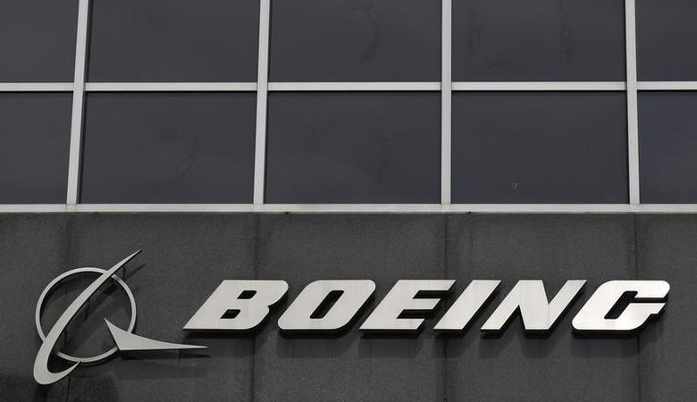 The Boeing logo is seen at their headquarters in Chicago, April 24, 2013 file photo. REUTERS/Jim Young