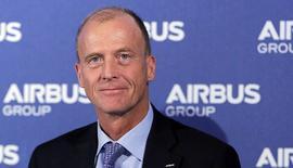 Le président exécutif d'Airbus Group, Tom Enders. L'ex-EADS a annoncé une augmentation de la cadence de production de l'A320 après une avalanche de commandes et a dit viser une amélioration modérée de sa rentabilité en 2014 en raison d'éventuelles charges liées à son nouveau long-courrier, l'A350, dont la mise en service reste prévue fin 2014. /Photo prise le 26 février 2014/REUTERS/Régis Duvignau