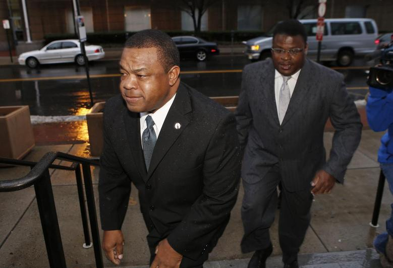 Trenton New Jersey Mayor Tony Mack (L) and his brother Ralphiel Mack arrive at United States Court in Trenton, New Jersey, January 6, 2014 file photo. REUTERS/Mike Segar
