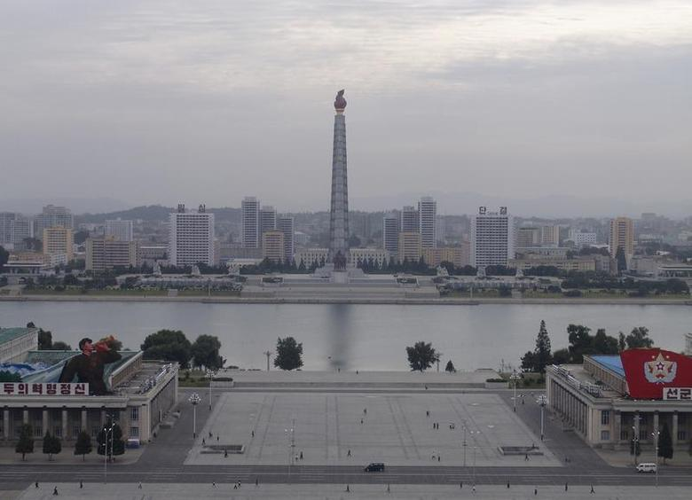 The Juche tower (C) is seen in central Pyongyang September 23, 2008 file photo. REUTERS/Stringer