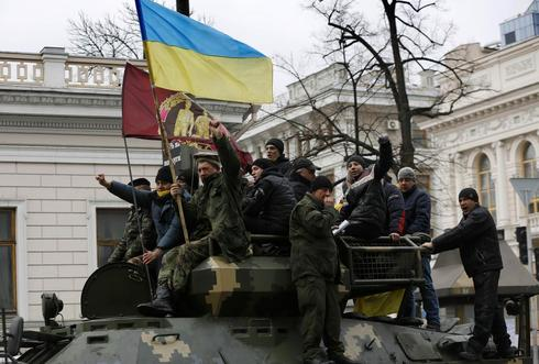 New Ukraine ministers proposed, Russian troops on alert