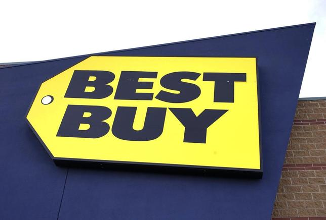 A company logo is seen on a Best Buy store in Westminster, Colorado January 16, 2014. REUTERS/Rick Wilking