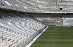 Visão de dentro da Arena da Baixada em Curitiba. Confirmada pela Fifa na Copa do Mundo apesar dos atrasos, Curitiba vai realizar um jogo-teste no dia 29 de março na Arena da Baixada, que ainda estará incompleta. 24/02/2014 REUTERS/Rodolfo Buhrer