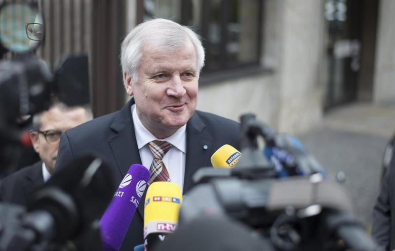 Bavarian Prime Minister and leader of the Christian Social Union (CSU) Horst Seehofer speaks to the media before a CSU executive committee meeting in Munich February 17, 2014. REUTERS/Lukas Barth