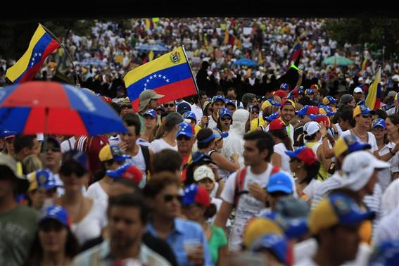 Anti-government protesters take part in rally against Venezuela's President Nicolas Maduro government in Caracas March 2, 2014. REUTERS-Tomas Bravo