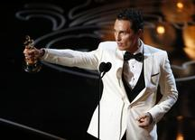 """Matthew McConaughey ganha o Oscar de melhor ator por """"Clube de Compras Dallas"""", em Los Angeles, nesta segunda-feira. 03/03/2014 REUTERS/Lucy Nicholson"""
