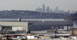 A fábrica de 737 da Boeing em Renton, Washington. A atividade industrial dos Estados Unidos acelerou em fevereiro, subindo mais do que o esperado para o nível mais alto desde maio de 2010, mostrou a pesquisa Índice de Gerentes de Compras (PMI, na sigla em inglês) nesta segunda-feira. 26/02/2014 REUTERS/Jason Redmond