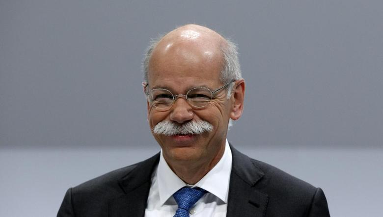Daimler AG Chief Executive Dieter Zetsche smiles during the company's annual news conference in Stuttgart February 6, 2014. REUTERS/Michaela Rehle