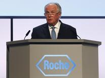 Swiss pharmaceutical company Roche outgoing chairman Franz Humer speaks to shareholders during the annual general meeting in Basel March 4, 2014. REUTERS/Ruben Sprich