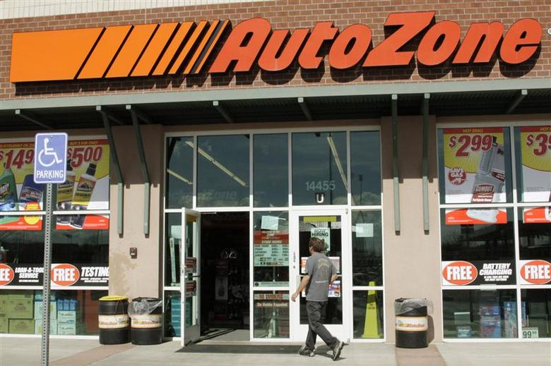A customer enters the AutoZone store in Westminster, Colorado in this file photo taken March 3, 2009. REUTERS/Rick Wilking/Files