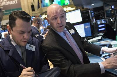 S&P 500 ends at a record; Ukraine-Russia tensions ease