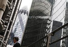 Vista de edifícios no centro de Londres. Os principais bancos do mundo já aumentaram boa parte do capital que precisam para atender as regras de solvência, cinco anos antes do prazo de 2019 definido por reguladores, disseram supervisores bancários globais nesta quinta-feira. 28/02/2014 REUTERS/Eddie Keogh