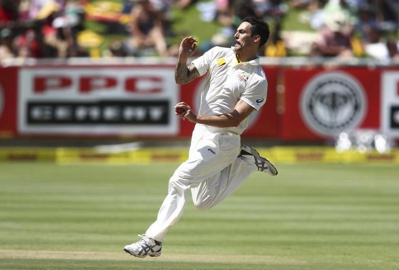 Australia's Mitchell Johnson sends down a delivery during the third day of the third test cricket match against South Africa at Newlands Stadium in Cape Town, March 3, 2014. REUTERS/Shaun Roy