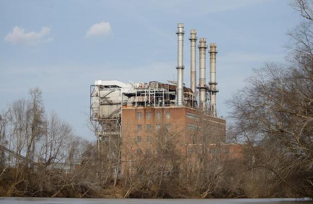 The Duke Energy coal-fired power plant is seen from the Dan River in Eden, North Carolina February 19, 2014. REUTERS/Chris Keane