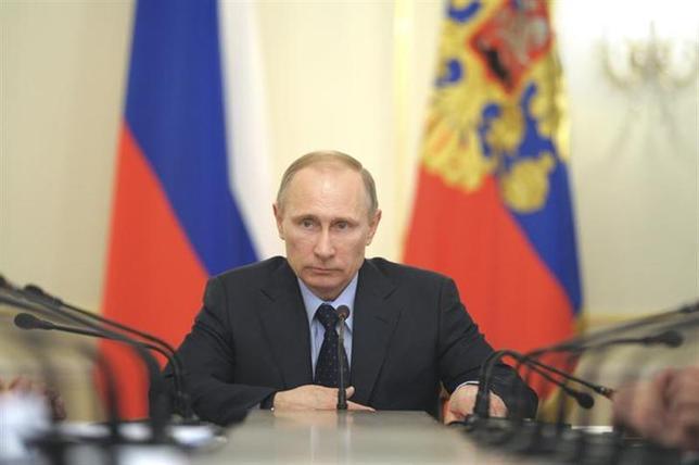 3月6日、緊張が続くウクライナ情勢についてエコノミストのカレツキー氏は、西側諸国には、ロシアの軍事介入を認めるか戦争突入以外に選択肢はないと指摘。金融市場は、プーチン大統領の勝利を織り込み始めたと語った。写真は5日撮影(2014年 ロイター)
