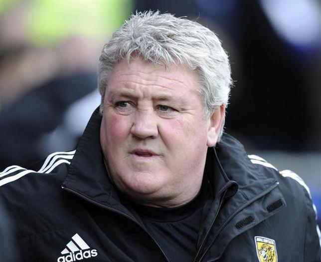 Hull City's manager Steve Bruce during their English Premier League soccer match at Cardiff City Stadium in Cardiff, Wales, February 22, 2014. REUTERS/Rebecca Naden