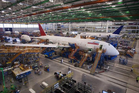A 787 Dreamliner está sendo construído para a Índia Air é retratado na Carolina do Sul Boeing prédio de montagem final em North Charleston, South Carolina 19 dezembro de 2013.  REUTERS / Randall Colina