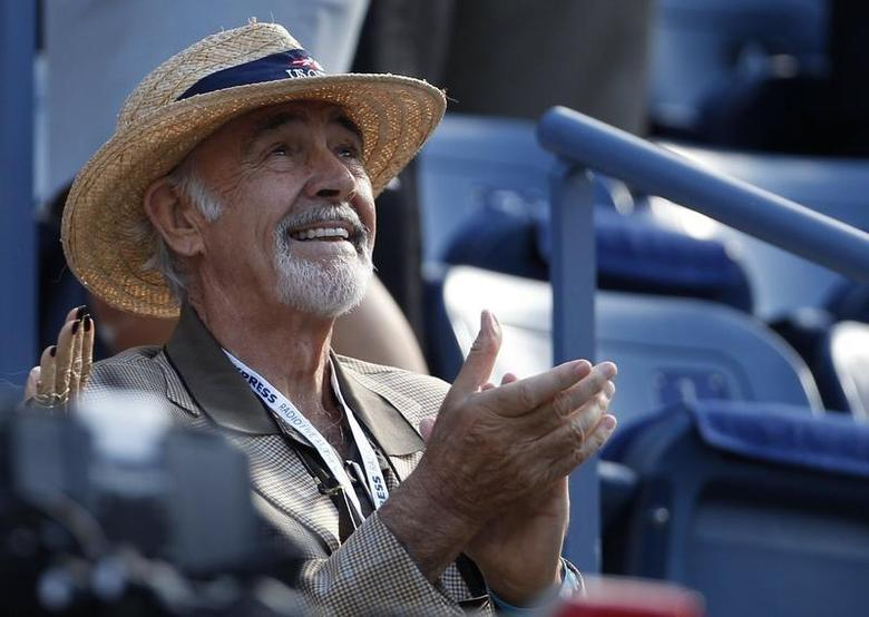 Actor Sean Connery awaits the start of the U.S. Open men's final match between Serbia's Novak Djokovic and Britain's Andy Murray in New York, September 10, 2012. REUTERS/Adam Hunger