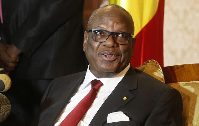Mali's President Ibrahim Boubacar Keita answers a question upon his arrival at Algiers airport January 18, 2014 file photo. REUTERS/Louafi Larbi