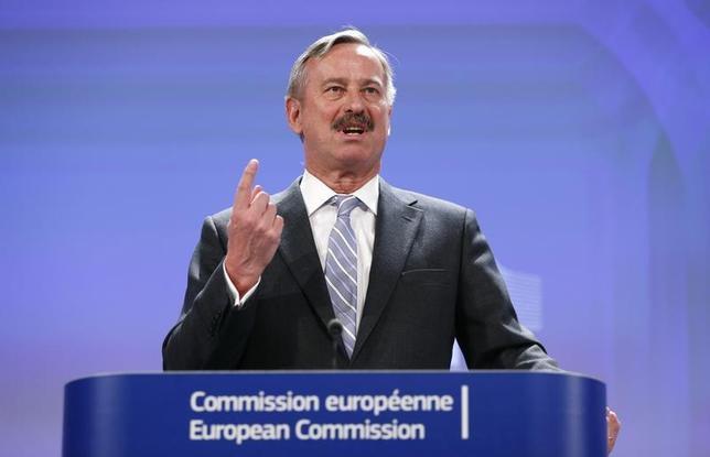 European Transport Commissioner Siim Kallas speaks at the EU Commission headquarters in Brussels April 15, 2013. REUTERS/Francois Lenoir