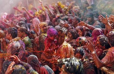 Holi at Bankey Bihari temple