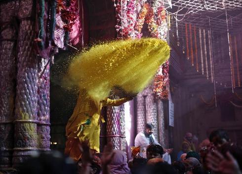 Holi at Bankey Bihari temple